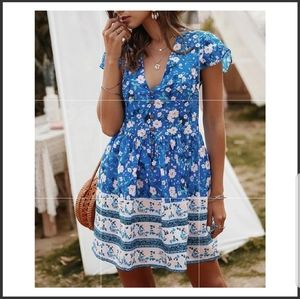 Dresses & Skirts - Blue floral shirt dress